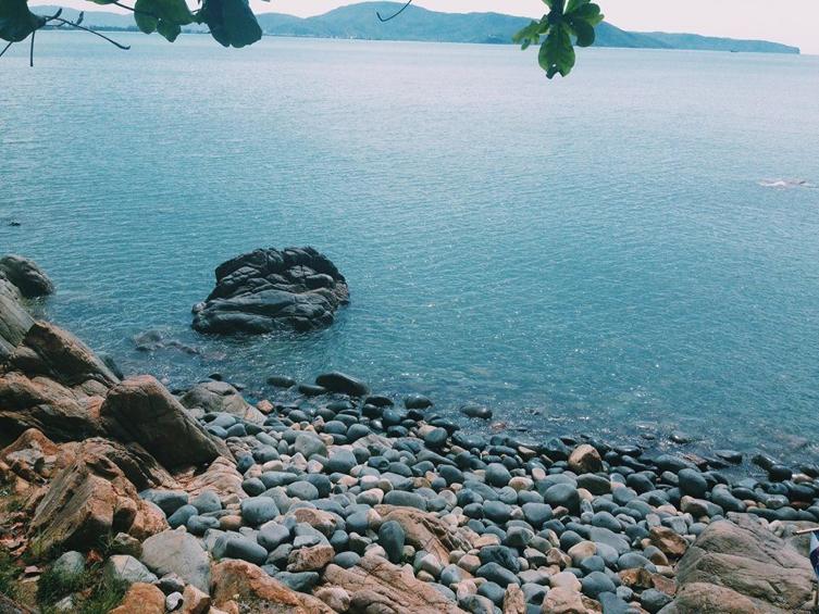 Đến Quy Nhơn để đắm nhìn trong vẻ đẹp hoang sơ, quyến rũ của bãi tắm Hoàng Hậu
